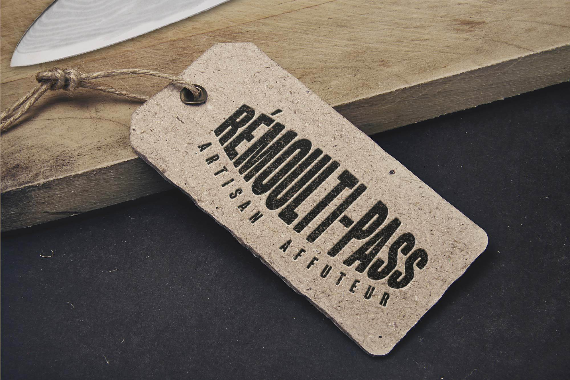 Remoulti-pass-étiquette-mockup